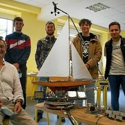 Un professeur de technologie met au point un simulateur nautique en BTS CCST