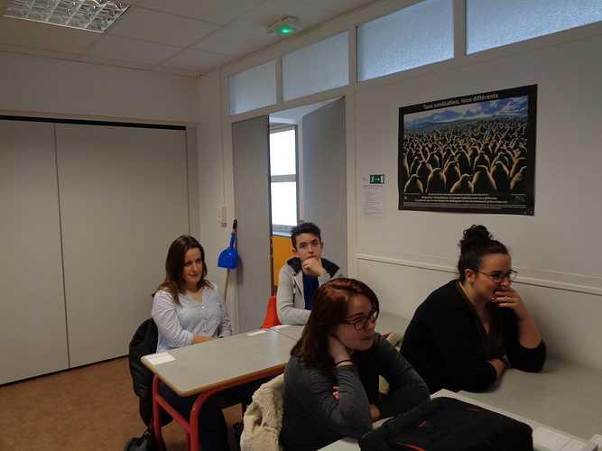 Cordée de la Réussite: des lycéens avec les étudiants de DCG à la rencontre des professionnels dsc00943