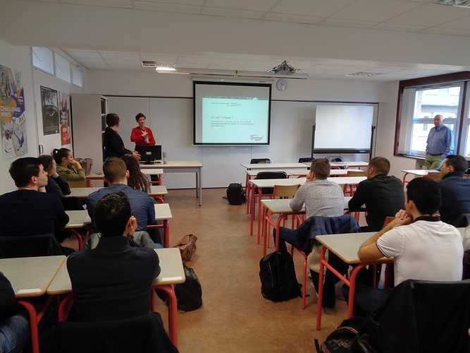 Licence DCG St Brieuc : tables rondes avec des professionnels 2018-01-3014.52.401-copie-copie