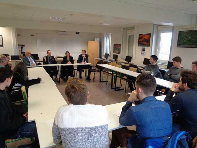 Licence DCG St Brieuc : tables rondes avec des professionnels 0