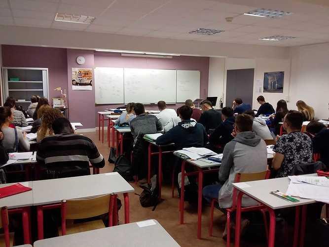 Pourquoi choisirla Licence DCG Compta gestion St Brieuc ? photodcg2nov2018