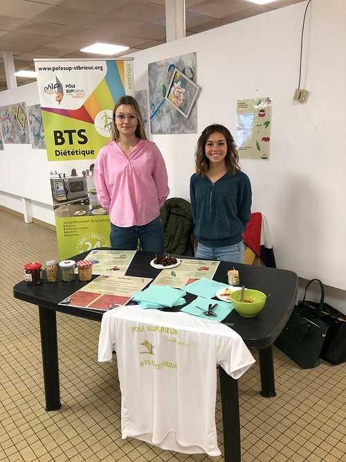 Stand sur le thème des légumineuses - BTS DIET -Capucins du centre hospitalier de Saint-Brieuc 0